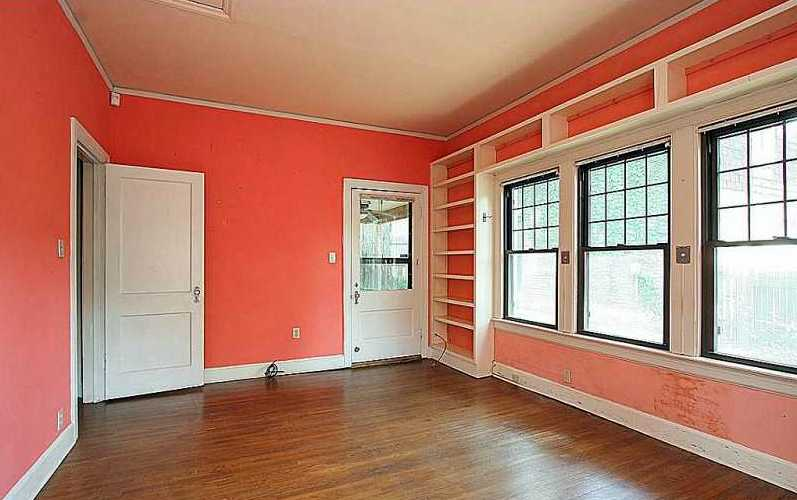 Bedroom color in two rooms.