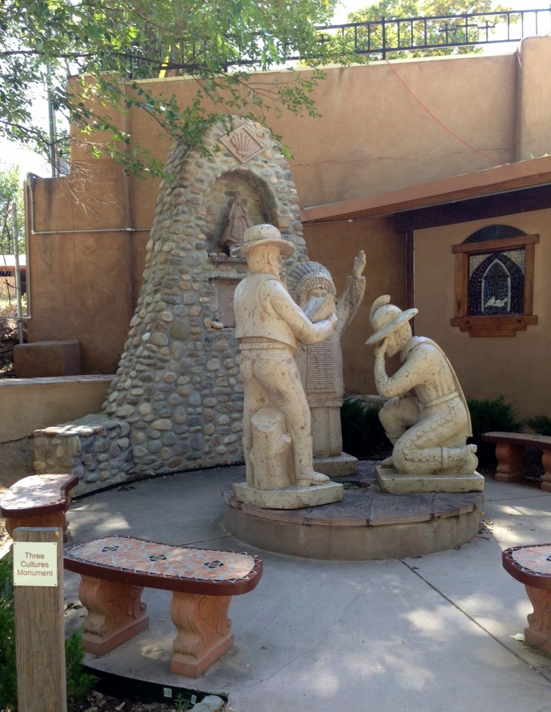 3 cultures monument